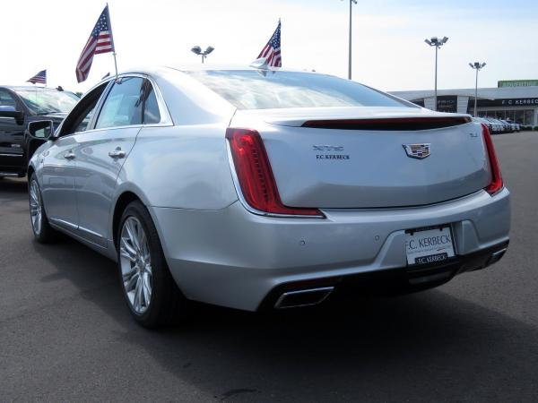 Cadillac XTS 2018 Radiant Silver Metallic For Sale $50940 Stock Number 67728K 10799_p5