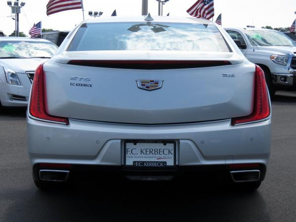 Cadillac XTS 2018 Radiant Silver Metallic For Sale $50940 Stock Number 67728K 10799_p6