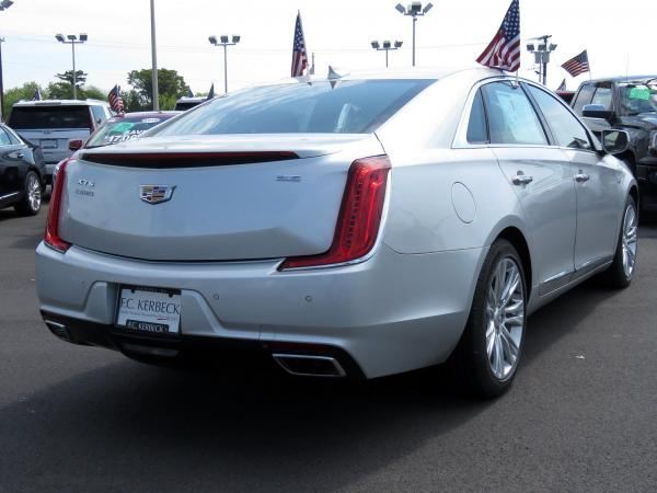 Cadillac XTS 2018 Radiant Silver Metallic For Sale $50940 Stock Number 67728K 10799_p7