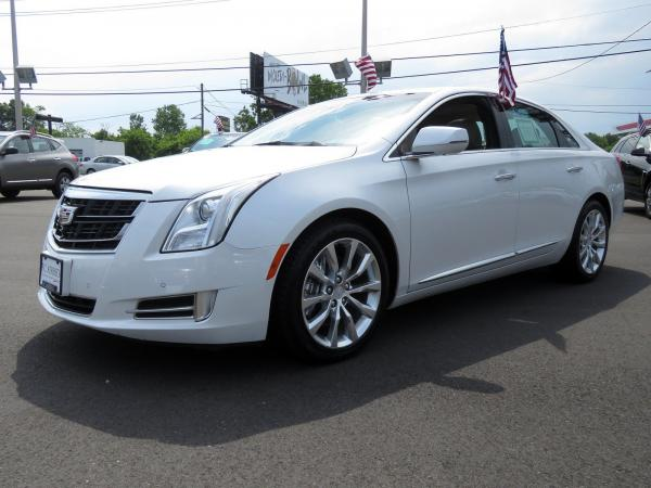 Cadillac XTS 2016 Crystal White Tricoat For Sale $29419 Stock Number 67746K 10815_p4