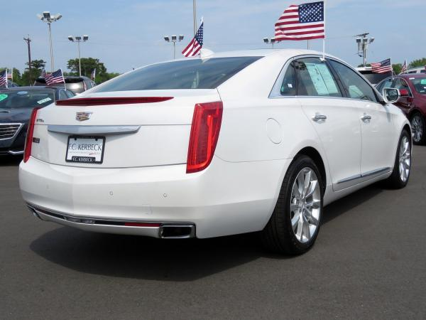 Cadillac XTS 2016 Crystal White Tricoat For Sale $29419 Stock Number 67746K 10815_p7