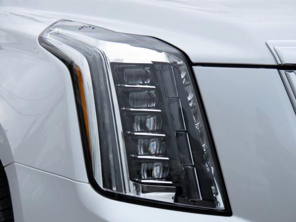 Cadillac Escalade ESV 2018 Crystal White Tricoat For Sale $90635 Stock Number 67844K 11132_p10