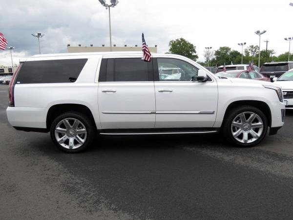 Cadillac Escalade ESV 2018 Crystal White Tricoat For Sale $90635 Stock Number 67844K 11132_p8