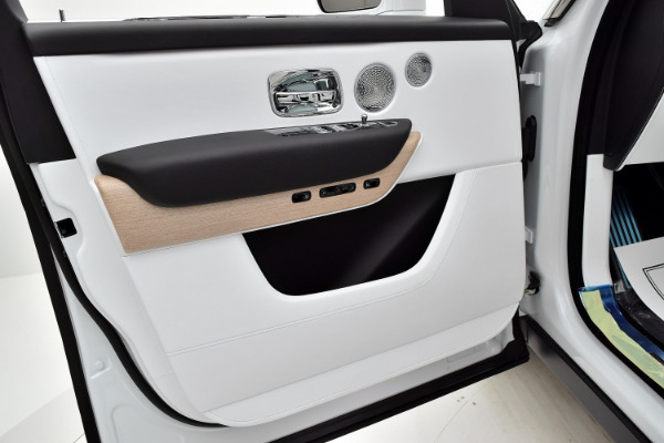 Rolls-Royce Cullinan 2019 Arctic White For Sale $397750 Stock Number 20L101AJI 11575_p14