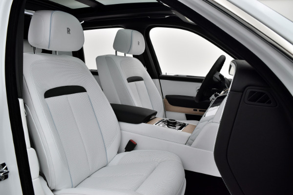 Rolls-Royce Cullinan 2019 Arctic White For Sale $397750 Stock Number 20L101AJI 11575_p36
