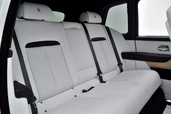 Rolls-Royce Cullinan 2019 Arctic White For Sale $397750 Stock Number 20L101AJI 11575_p39