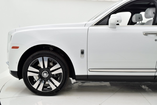 Rolls-Royce Cullinan 2019 Arctic White For Sale $397750 Stock Number 20L101AJI 11575_p43