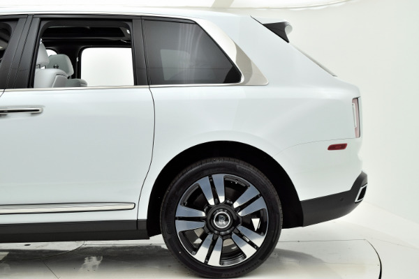 Rolls-Royce Cullinan 2019 Arctic White For Sale $397750 Stock Number 20L101AJI 11575_p45