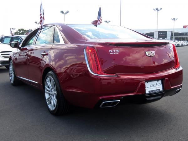 Cadillac XTS 2018 Red Horizon Tintcoat For Sale $52615 Stock Number 67993K 11619_p5