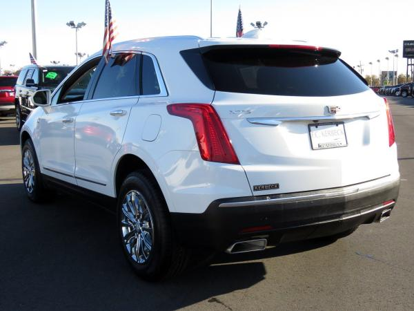 Cadillac XT5 2017 Crystal White Tricoat For Sale $47240 Stock Number 67330K 9560_p5