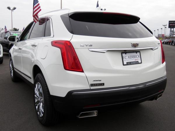 Cadillac XT5 2017 Crystal White Tricoat For Sale $48740 Stock Number 67460K 9935_p5