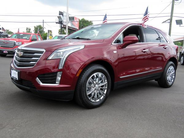 Used 2017 Cadillac XT5 Luxury FWD for sale $32,980 at F.C. Kerbeck Lamborghini Palmyra N.J. in Palmyra NJ 08065 4