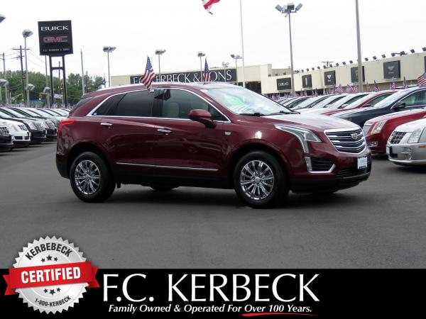 Used 2017 Cadillac XT5 Luxury FWD for sale $32,980 at F.C. Kerbeck Lamborghini Palmyra N.J. in Palmyra NJ 08065 1