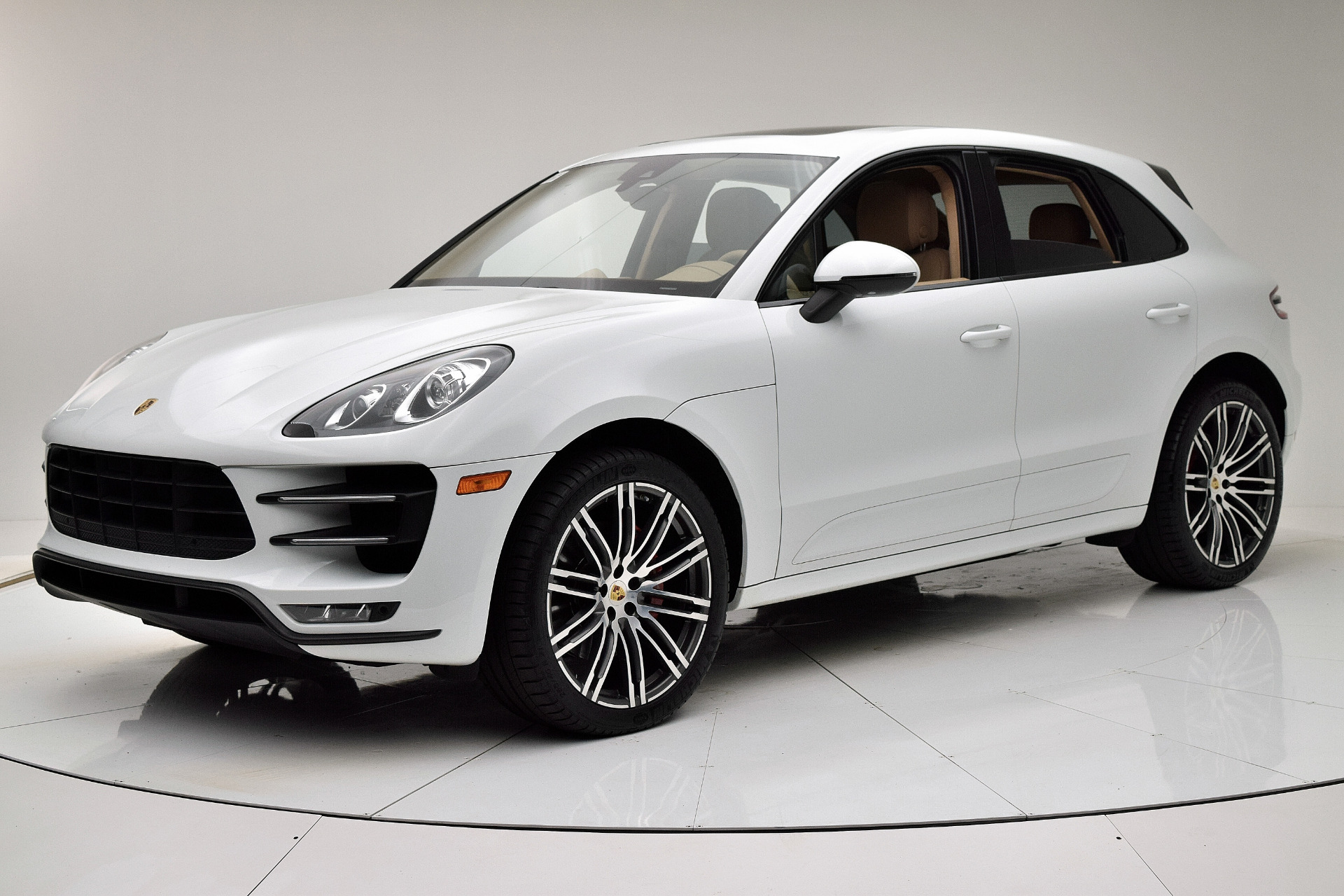 Used 2015 Porsche Macan Turbo for sale $48,880 at F.C. Kerbeck Lamborghini Palmyra N.J. in Palmyra NJ 08065 2