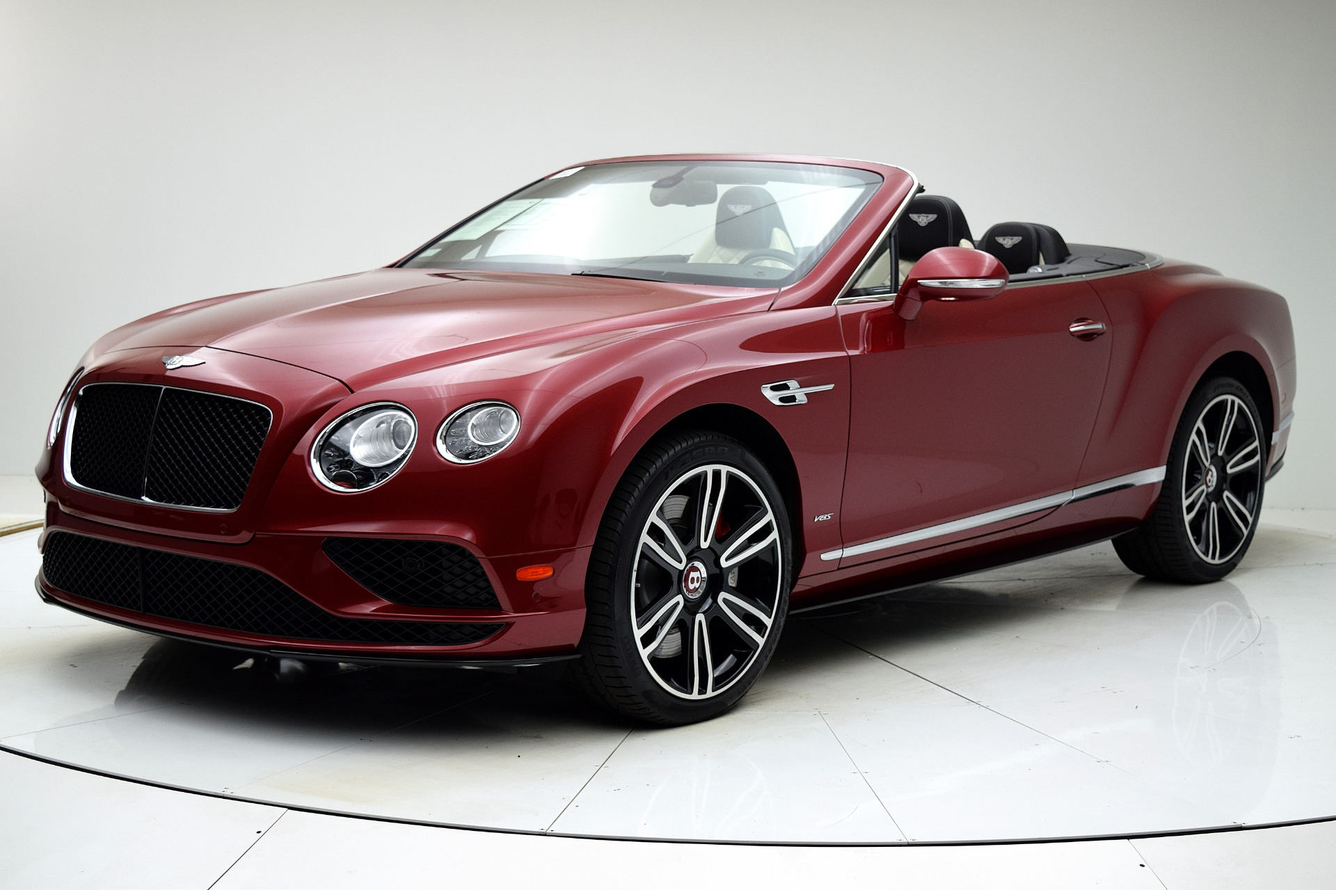 Used 2016 Bentley Continental GT V8 S Convertible for sale $142,880 at F.C. Kerbeck Lamborghini Palmyra N.J. in Palmyra NJ 08065 2