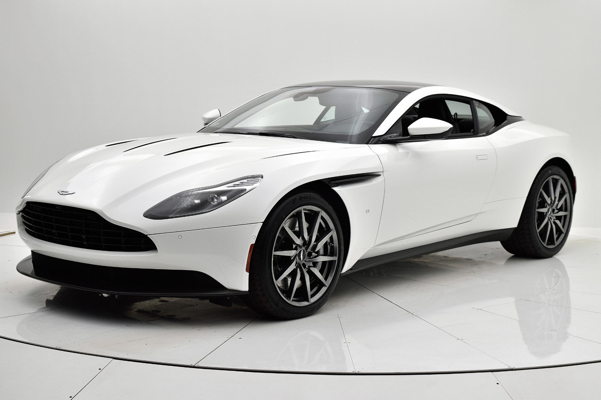 New 2018 Aston Martin DB11 V12 for sale $179,880 at F.C. Kerbeck Lamborghini Palmyra N.J. in Palmyra NJ 08065 2