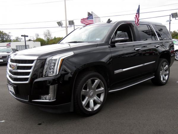 Used 2018 Cadillac Escalade Luxury for sale Sold at F.C. Kerbeck Lamborghini Palmyra N.J. in Palmyra NJ 08065 4